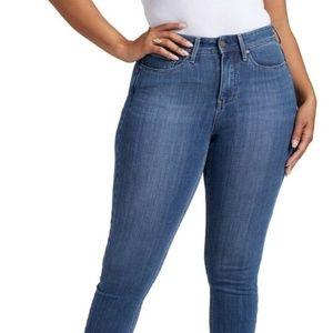 NYDJ BNWT Plus sized Denim New women Curves 360